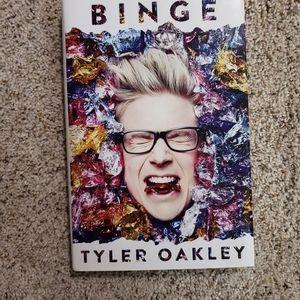 🍁 Binge Tyler Oakley